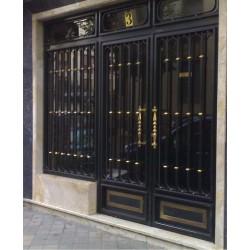 Puerta Negro Oro