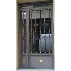 Puerta forja gris espiral
