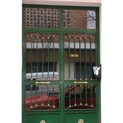 Puerta forja verde media luna