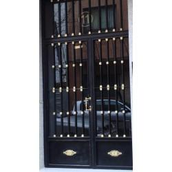 Puerta forja negra oro recta