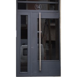 Puerta gris recto