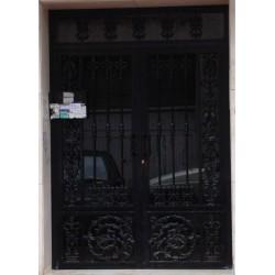 Puerta Negra Oro